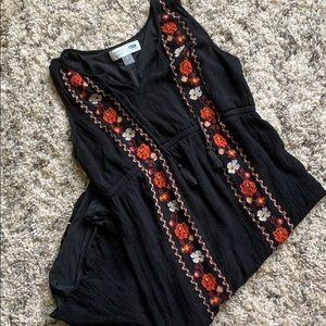 Embroidered Maternity Dress - Old Navy M